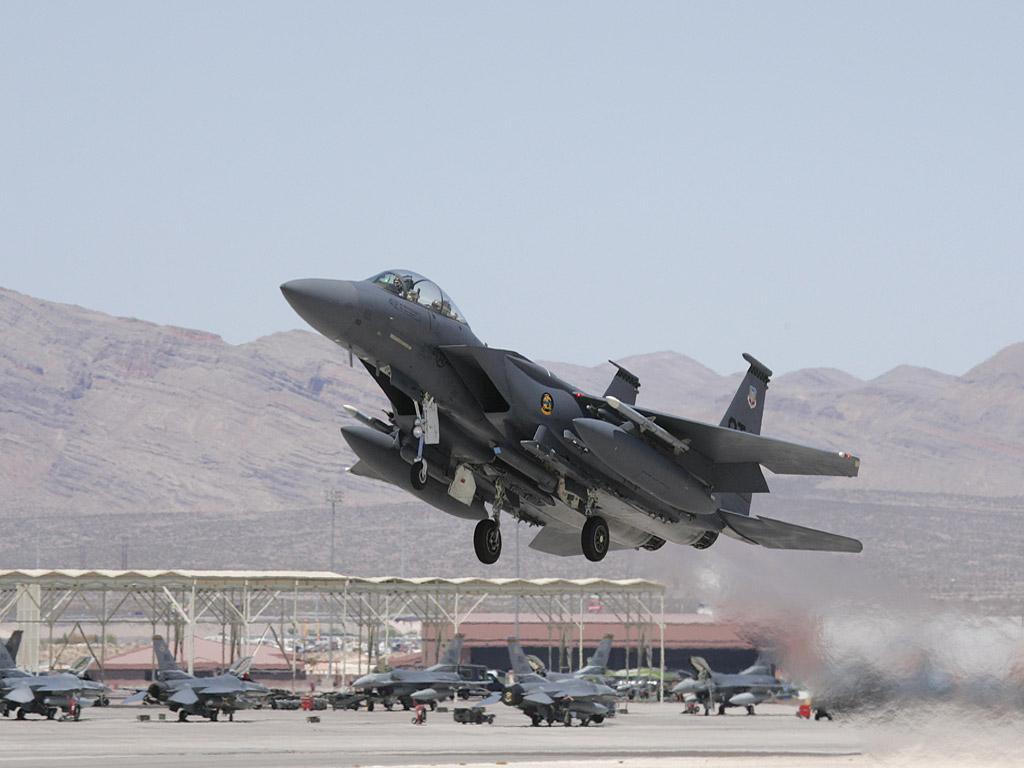 F-15E-Strike-Eagle-fighter